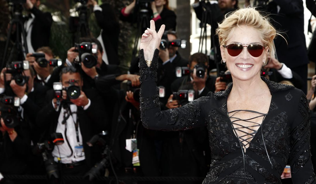 Are You Addicted to Celebrity Lives? Consider a Career in Entertainment Blogging
